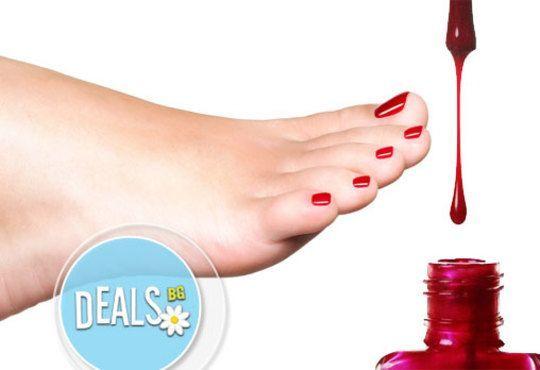 В цветовете на OPI! Арома педикюр с ароматни соли, пилинг, масаж на ходилата и маникюр в Салон за красота Miss Beauty - Снимка 3