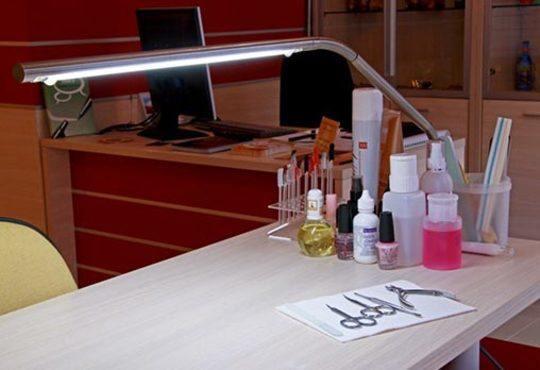 Подарете си антицелулитен масаж на 4 зони, вендузи и фолио със загряващ антицелулитен крем в студио Долче Вита - Снимка 8