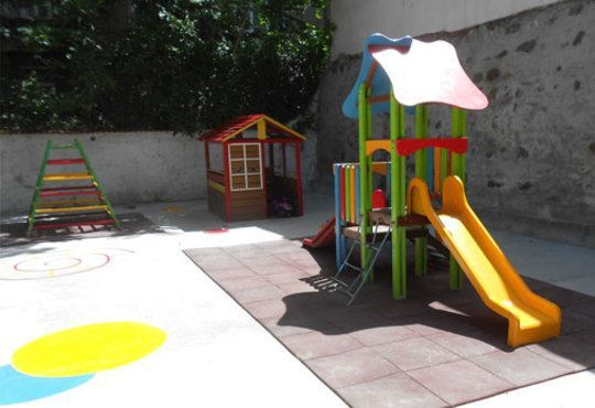 Радост за Вас и Вашето дете! Целодневна детска ясла в базата на ЧДГ Славейче на ул. Росица в центъра на София - Снимка 8