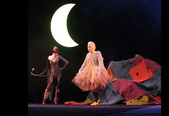 Гледайте Поли Генова във вълшебния мюзикъл Грозното пате в Независим театър, на 01.11. от 11.00ч.! - Снимка 6