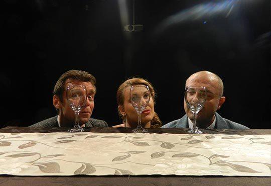 Гледайте на 26.10. от 22 ч. Срещи с неочакваното по ''Симулатор за чифтосване'' в Студио 5 на НДК - 1 билет! - Снимка 2
