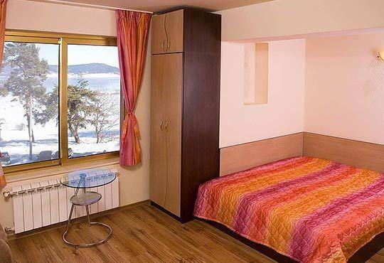 Почивка на брега на язовир Батак! Атрактивни цени за 2 или 3 нощувки в двойна стая или студио с джакузи, Хотел Лидия 3* - Снимка 7