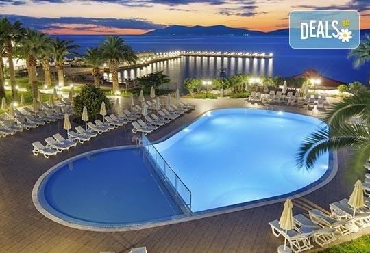 Приказна Нова година в Le Bleu Hotel & Resort 5*, Кушадасъ! 4 нощувки на база All Inclusive, възможност за транспорт! - Снимка 2