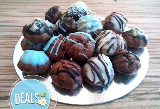 Неустоими 50 какаови еклера с течен крем шоколад на страхотна цена от Muffin House! - Снимка 1