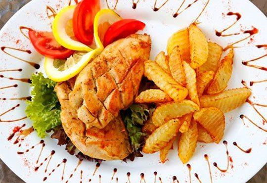 Вкусно кулинарно предложение за салата и основно ястие по избор от цялото меню в Ресторант Смак - Снимка 2