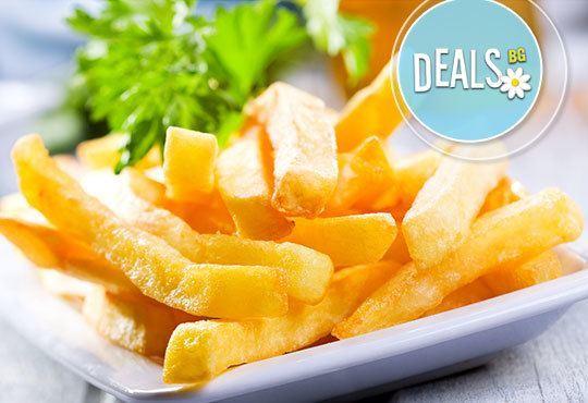 Кажете Наздраве! с две наливни бири Kamenitza! Опитайте пържени картофки със или без сирене по избор в ресторант Смак - Снимка 2