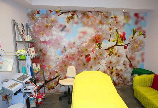 Освежаваща терапия за блестящ вид с диамантено микродермабразио, ултразвук и козметичен масаж от Салон за красота Мелани - Снимка 5
