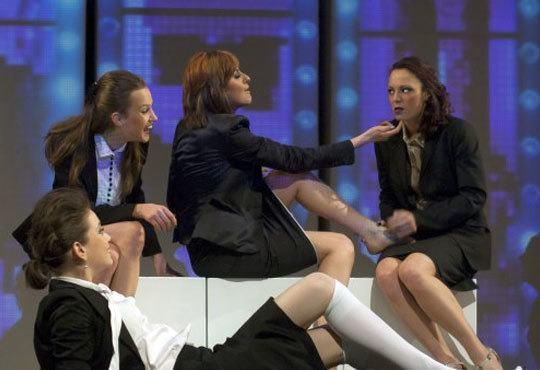 Гледайте Силвия Петкова, Лора Мутишева и други в Тирамису в Театър София на 14.11, 19ч! - Снимка 6