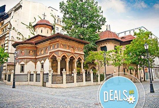 Къде е замъкът на Дракула? Посетете го през декември! 1 ден в Синая, Бран, екскурзовод и транспорт с Александра Травел - Снимка 6