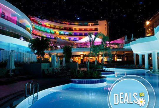 Посрещнете Нова година в Long beach resort & SPA 5*, Анталия! 4 нощувки на база All Inclusive и възможност за транспорт - Снимка 1