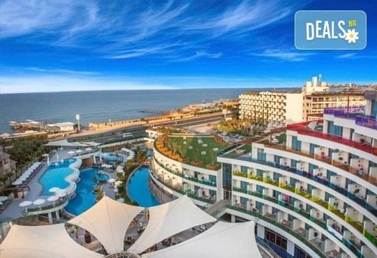 Посрещнете Нова година в Long beach resort & SPA 5*, Анталия! 5 нощувки на база All Inclusive и възможност за транспорт - Снимка 2