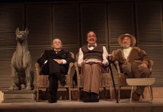 Гледайте Стефан Мавродиев в комедията Вятърът в тополите, Младежки театър, камерна зала, на 20.11., 19ч - един билет! - Снимка 2