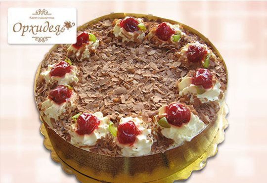 За сладки емоции! Торта Шварцвалд с черешово бренди, сладки череши и белгийски шоколад от Сладкарница Орхидея - Снимка 2