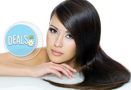 Подарете си нов външен вид с трайно изправяне на косата с продукти на FarmaVita и Tekitali в салон Sassy! - Снимка 1