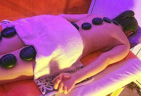 Заредете се с енергийна терапия! Масаж с топли вулканични камъни на цяло тяло във Friends - hair & beauty studio - Снимка 2