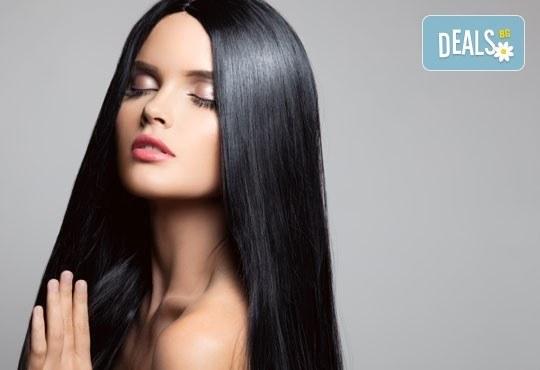 Върнете красотата на косата с кератинова терапия! Подарък изправяне с преса от Салон Studio V, Пловдив - Снимка 1