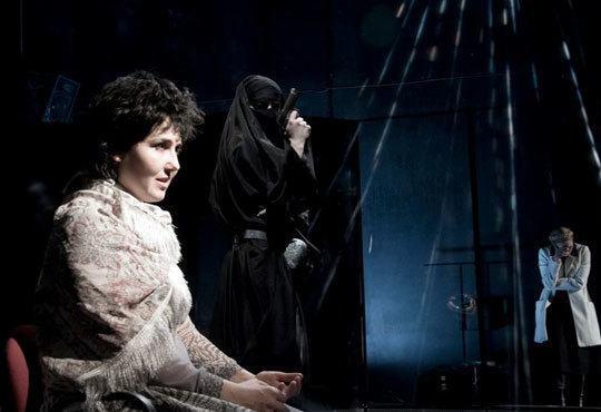 """Tри великолепни актриси в """"Nordost - приказка за разрушението""""! Младежки театър, камерна сцена, 12.11 от 19ч.! - Снимка 4"""