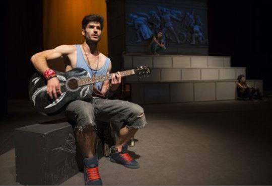 Гледайте спектакъла от Кирил Буховски ''Ние сме вечни !'' в Театър София на 12.11. от 19 ч. - Снимка 2
