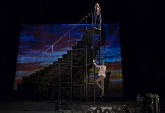 Гледайте спектакъла от Кирил Буховски ''Ние сме вечни !'' в Театър София на 12.11. от 19 ч. - Снимка 3