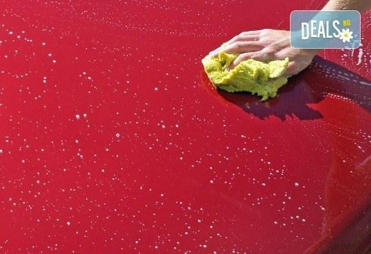 За блестящ автомобил! Предложение за сухо пране на седалки с продукти MAXOLEN и външно измиване от Автоцентър Борово - Снимка 3