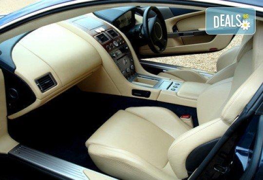 За блестящ автомобил! Предложение за сухо пране на седалки с продукти MAXOLEN и външно измиване от Автоцентър Борово - Снимка 1