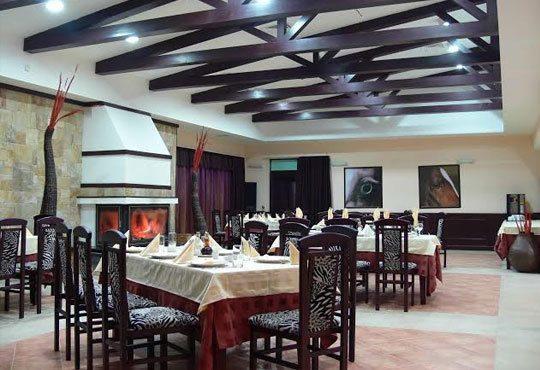 Есенна романтика в Аспа Вила 3*, с. Баня! 2 нощувки със закуски и вечери, ползване на топъл минерален басейн и Спа зона - Снимка 7