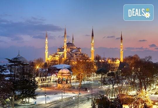 Зимна приказка - уикенд в Истанбул! 2 нощувки и две закуски в хотел 2*/3* и автобусен транспорт от Дениз травел - Снимка 2