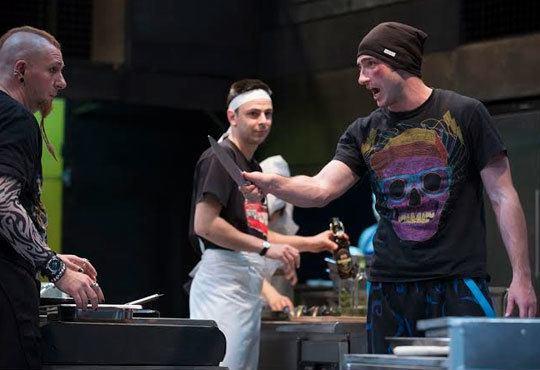 Каним Ви на премиера в Младежкия театър! Гледайте пиесата Кухнята на 24.11, от 19.00ч на голяма сцена - Снимка 2