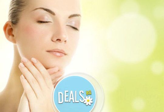 Почистване на лице и терапия с фито-стволови клетки с козметика по избор от салон Incanto Dream 2, Студентски град! - Снимка 1