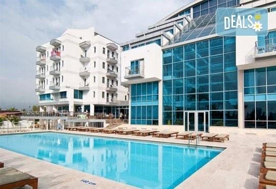 Нова година в Sealife Family Resort5*, Анталия, Турция! 4 нощувки със закуски и вечери, самолетни билети и трансфери! - Снимка 1