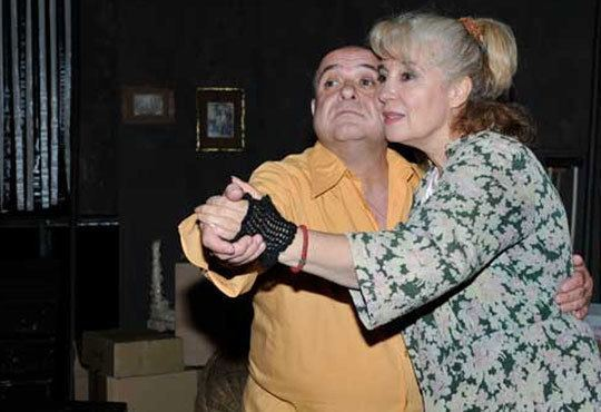 Гледайте Дидо Манчев в комедията ''Тарикати ООД'' на 22.11., неделя, от 19 ч. в Театър Открита сцена Сълза и смях - Снимка 3
