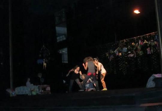 Гледайте Любопитното слонче на 22.11. от 11 ч.,Театър Виа Верде на Открита сцена Сълза и смях - Снимка 3