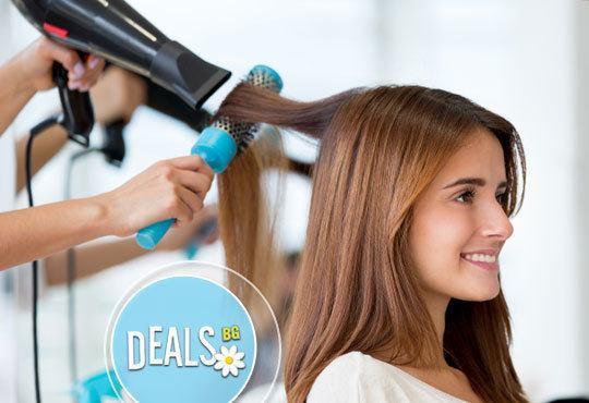 Професионална грижа за косата! Масажно измиване, подстригване, сешоар и/или преса и стилизиране в Avior beauty center! - Снимка 3