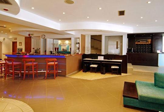 Нова година в хотел Олимпус 3*, Паралия Катерини, Гърция! 3 нощувки със закуски, транспорт и панорамна обиколка на Солун - Снимка 5