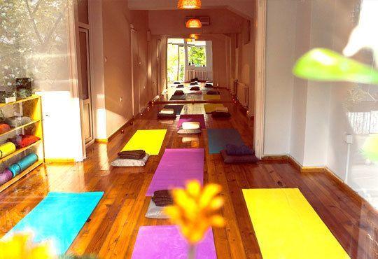 Постигнете хармония със себе си! Карта за 3 или 6 посещения по 50 минути йога от Йога и масажи Айя! - Снимка 6
