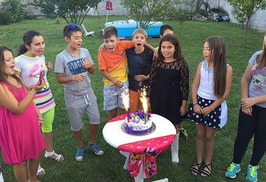 Детско парти с DJ-аниматор- 60, 90 или 120 минути, с танци, игри и подарък украса до 50 балона, на избрано от Вас място - Снимка 4