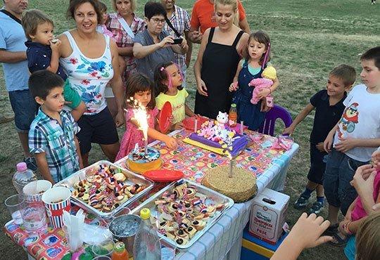 Детско парти с DJ-аниматор- 60, 90 или 120 минути, с танци, игри и подарък украса до 50 балона, на избрано от Вас място - Снимка 3