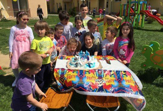 Детско парти с DJ-аниматор- 60, 90 или 120 минути, с танци, игри и подарък украса до 50 балона, на избрано от Вас място - Снимка 7