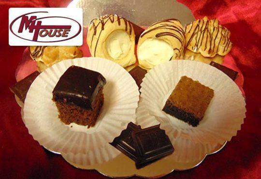 Сбъднати фантазии! 50 или 100 броя сладки петифури микс в ШЕСТ различни вкусови стила от Muffin House - Снимка 14