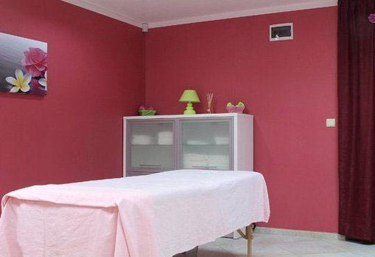 Отървете се от токсините с детоксикиращ масаж на гръб с мед и детоксикация на ходилата в Senses Massage & Recreation! - Снимка 9
