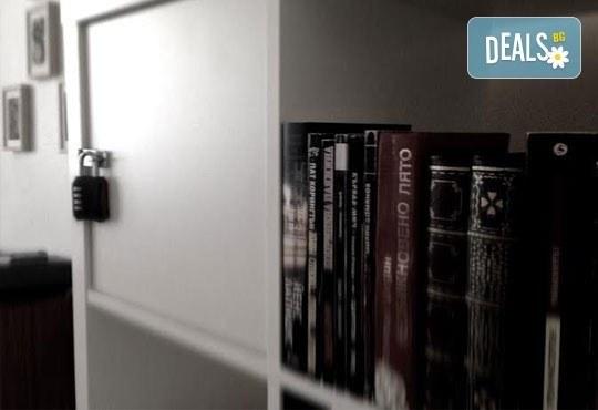 Подредете пъзела на загадката за 60 минути в стая по избор! Поканете приятел в House of puzzle - real-life escape gamе! - Снимка 2