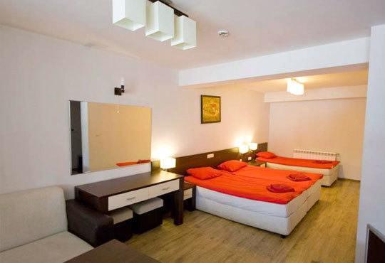 Почивка през ноември в хотелски комплекс Пири 3*, с. Баня! 2/3 нощувки със закуски, ползване на СПА - Снимка 2