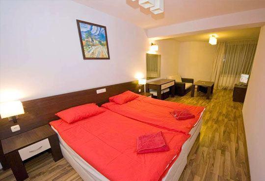 Почивка през ноември в хотелски комплекс Пири 3*, с. Баня! 2/3 нощувки със закуски, ползване на СПА - Снимка 3