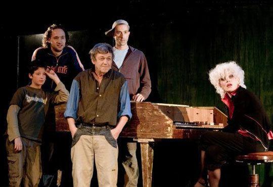 Много смях с великолепните актьори на Младежкия театър! Страхотни момчета, 27.11, от 19.00ч, места - балкон - Снимка 3