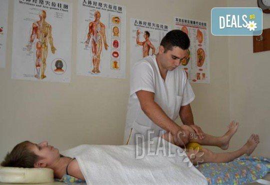 Лечебен масаж при травматични, ортопедични, неврологични, ставни заболявания, извършен от кинезитерапевт в студио Samadhi - Снимка 7