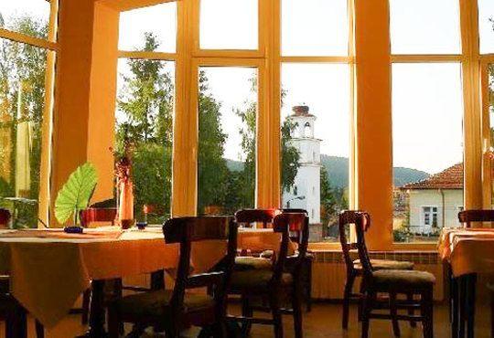 Коледа в село Равногор - зеления рай на Родопите! Хотел Панорама 2*, 2 нощувки със закуски и вечери! - Снимка 7