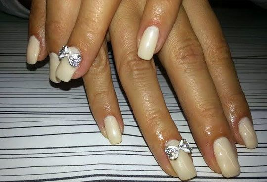 За перфектни ръце! Поставяне на гел върху етествен нокът и/или маникюр с лак или гел лак на CND в салон Косабелла! - Снимка 7