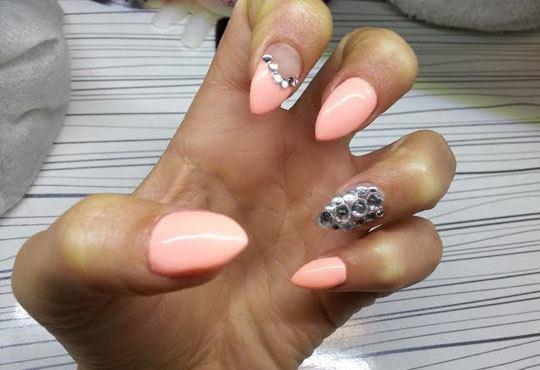 За перфектни ръце! Поставяне на гел върху етествен нокът и/или маникюр с лак или гел лак на CND в салон Косабелла! - Снимка 8