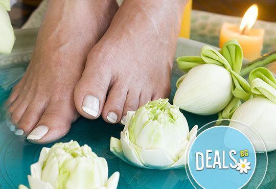 Вземете СПА маникюр, СПА педикюр или комбинация от двете и бонус: парафинова терапия от ADI'S Beauty & SPA! - Снимка 3
