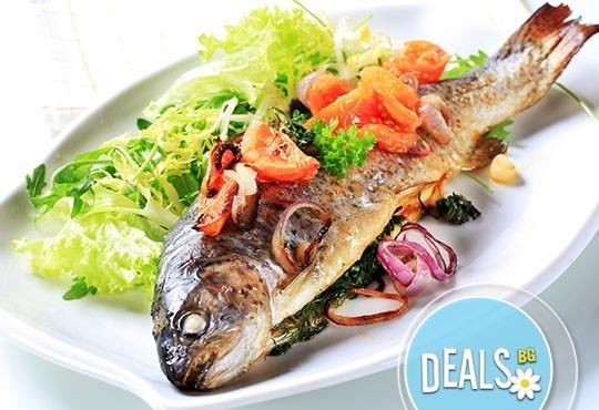 Обяд 2 в 1 в Ресторант-механа Мамбо! Супа и готвено ястие по избор от богато меню на деня на супер цена! - Снимка 4
